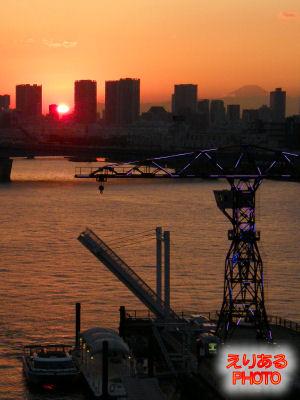 ららぽーと豊洲から見た夕陽