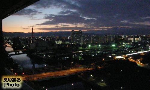 ホテルニューオータニ大阪から見た朝の風景