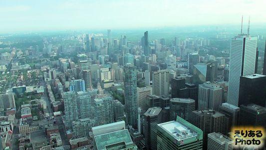 CNタワー ルックアウト展望台からの風景