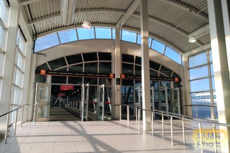 Union Pearson Express UNION駅からタワーへ