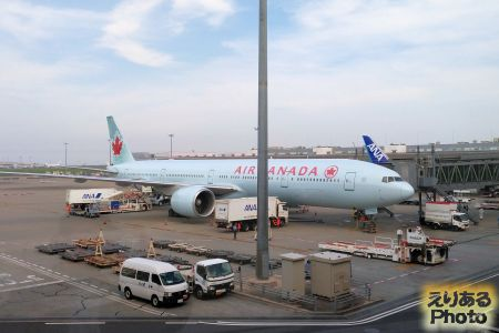 エアカナダ機@羽田国際空港
